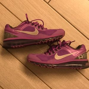 Nike Air Max sz 9. Perfect condition. Hardly worn.